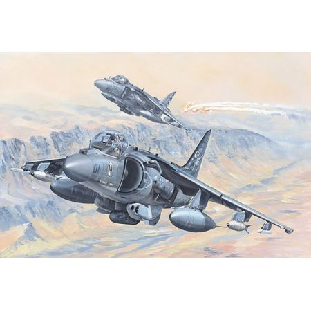 HOBBY BOSS 81804 AV-8B Harrier II