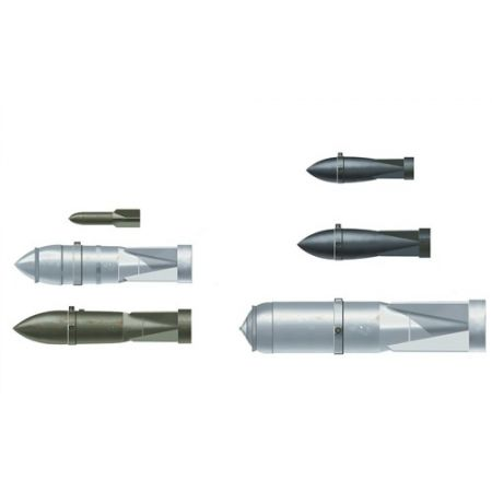 ITALERI 26101 LUFTWAFFE WWII GERMAN AIRCRAFT  WEAPONS I BOMBS
