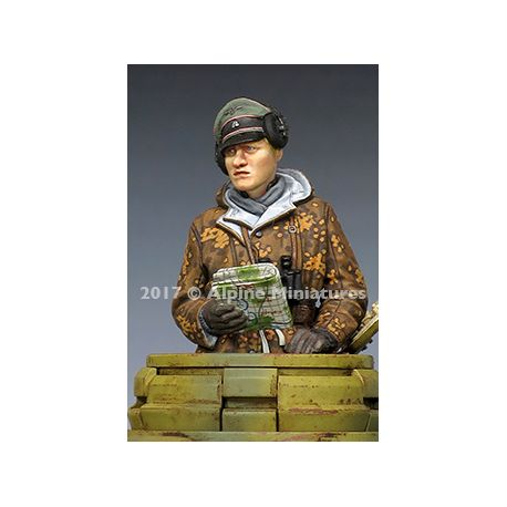 Alpine Miniatures 35238 WSS Panzer Commander Winter