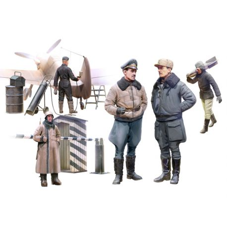 ICM 48086 WWII German Luftwaffe Pilots and Ground Personnel in Winter Uniform