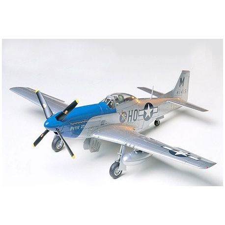 TAMIYA 61040 North American P-51D Mustang - 8th Air Force